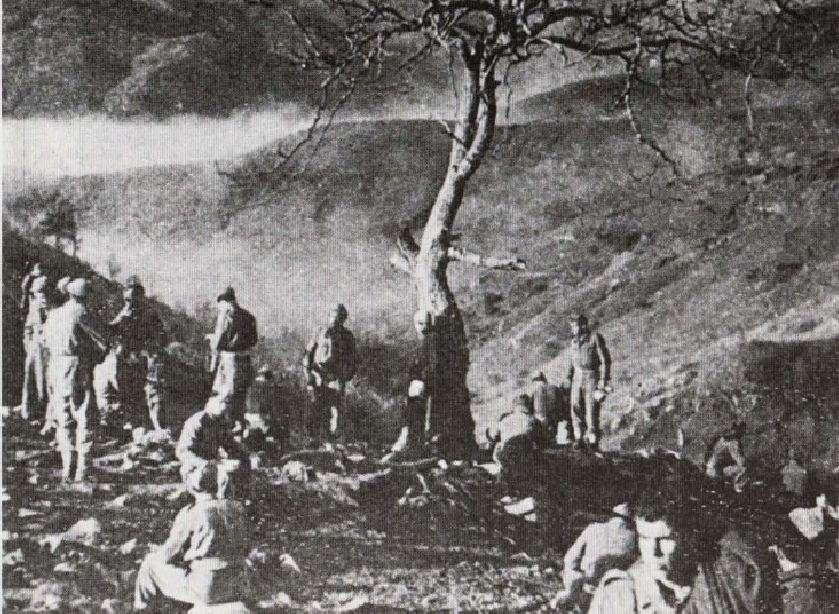 Μονάδα του Εθνικού Στρατού σε ανάπαυση, κατά τη διάρκεια των επιχειρήσεων στο Βίτσι και τον Γράμμο.