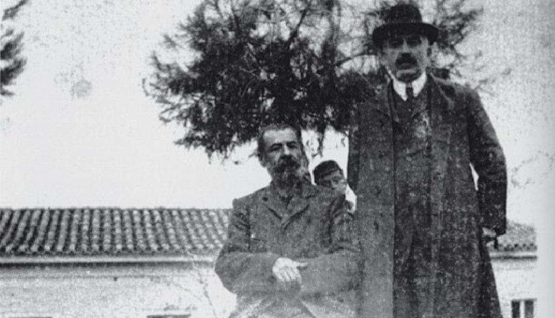 Ο Παπαδιαμάντης με τον Βλαχογιάννη στη Δεξαμενή, το 1908.
