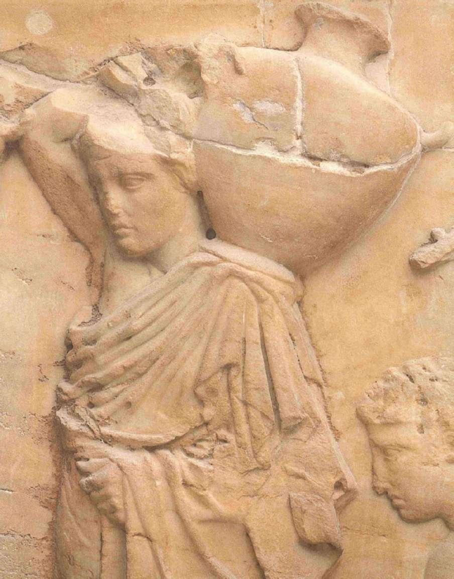 Ο 4Ος λίθος της βόρειας ζωφόρου του Παρθενώνα με νέες κοπέλες που οδηγούν κριάρια για τη θυσία (Λεπτομέρεια). Μουσείο Ακροπόλεως. Αθήνα. The 4th Stone of the Parthenon's northern frieze with young girls leading rams for sacrifice (Detail). Acropolis Museum. Athena.