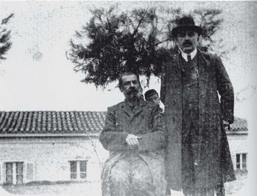Ο Αλέξανδρος Παπαδιαμάντης με τον στενό του φίλο, Γιάννη Βλαχογιάννη, στη Δεξαμενή γύρω στο 1908.