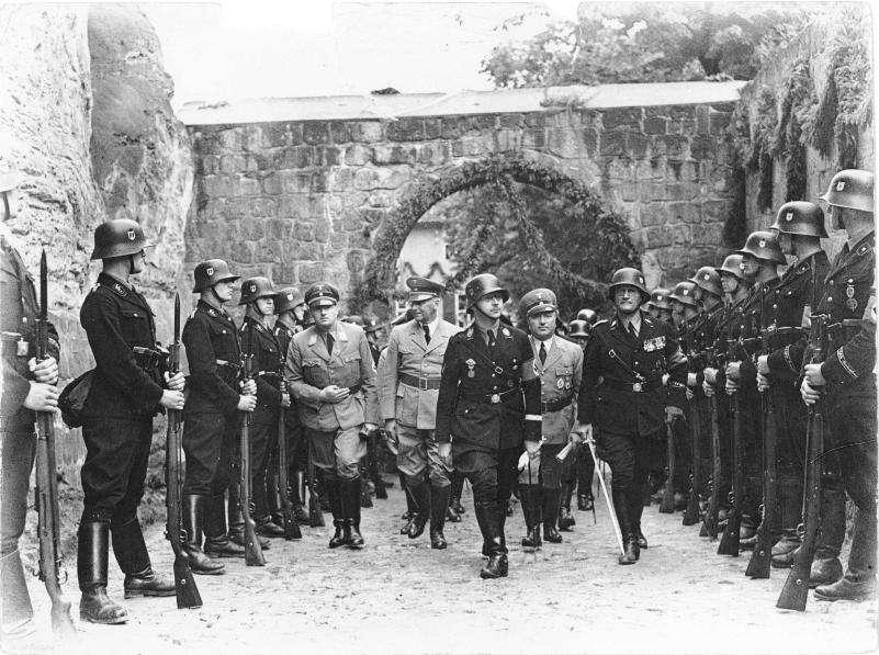 Τον Ιανουάριο του 1933, το ναζιστικό κόμμα κατέλαβε την εξουσία στη Γερμανία. Για τον Χίτλερ όμως, η εξουσία ήταν μόνο η αρχή.