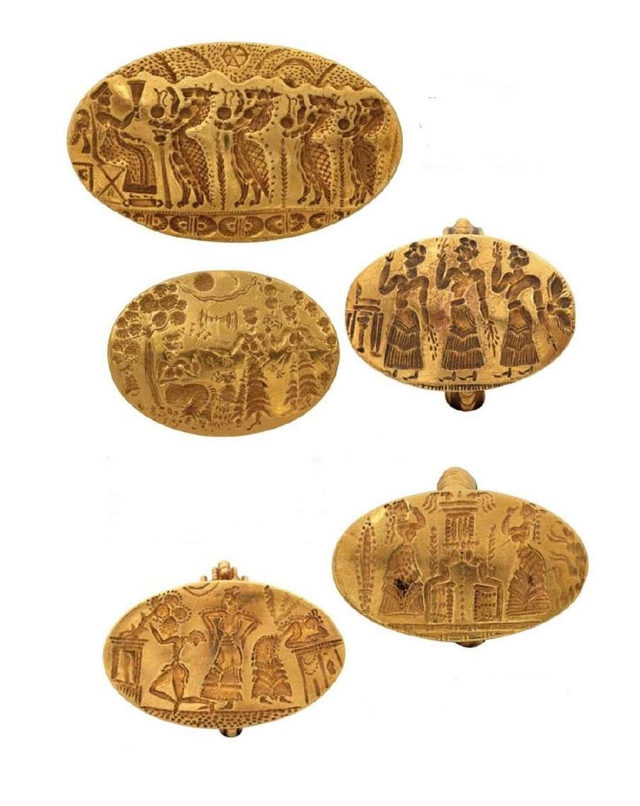 Χρυσά σφραγιστικά δαχτυλίδια με διάφορες σκηνές και παραστάσεις. 15ος-14ος αιώνας π.Χ. Μυκήνες. Εθνικό Αρχαιολογικό Μουσείο.