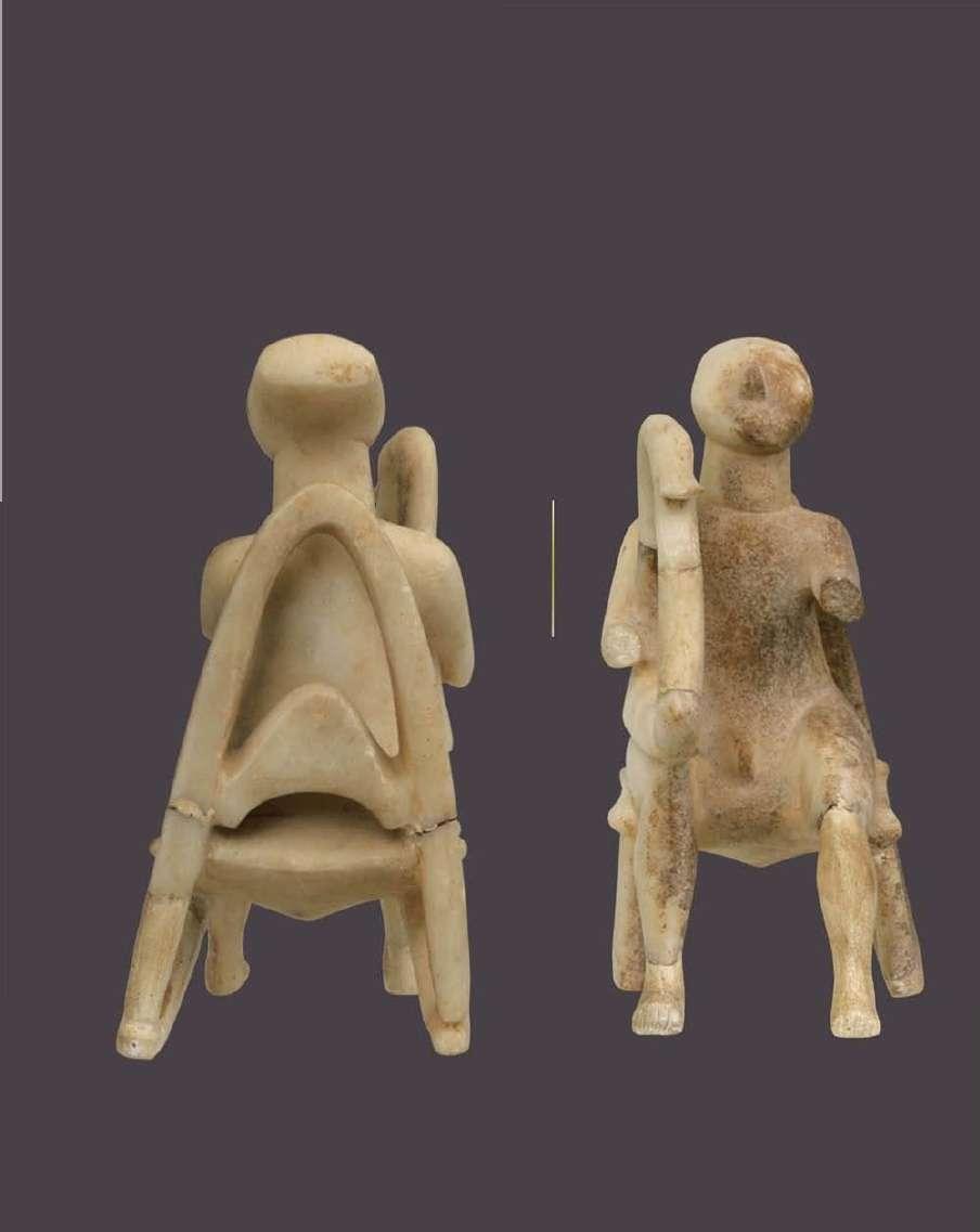 Ο «αρπιστής»· πρωτοκυκλαδικό μαρμάρινο ειδώλιο με τρισδιάστατη ανάπτυξη στον χώρο· βρέθηκε στην Κέρο. Πρωτοκυκλαδική ΙΙ περίοδος· φάση Κέρου-Σύρου. 2800-2300 π.Χ. Εθνικό Αρχαιολογικό Μουσείο. Αθήνα.