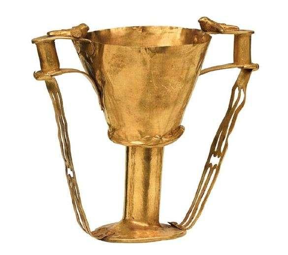 Χρυσή κύλικα. 16ος αιώνας π.Χ. Μυκήνες. Εθνικό Αρχαιολογικό Μουσείο.