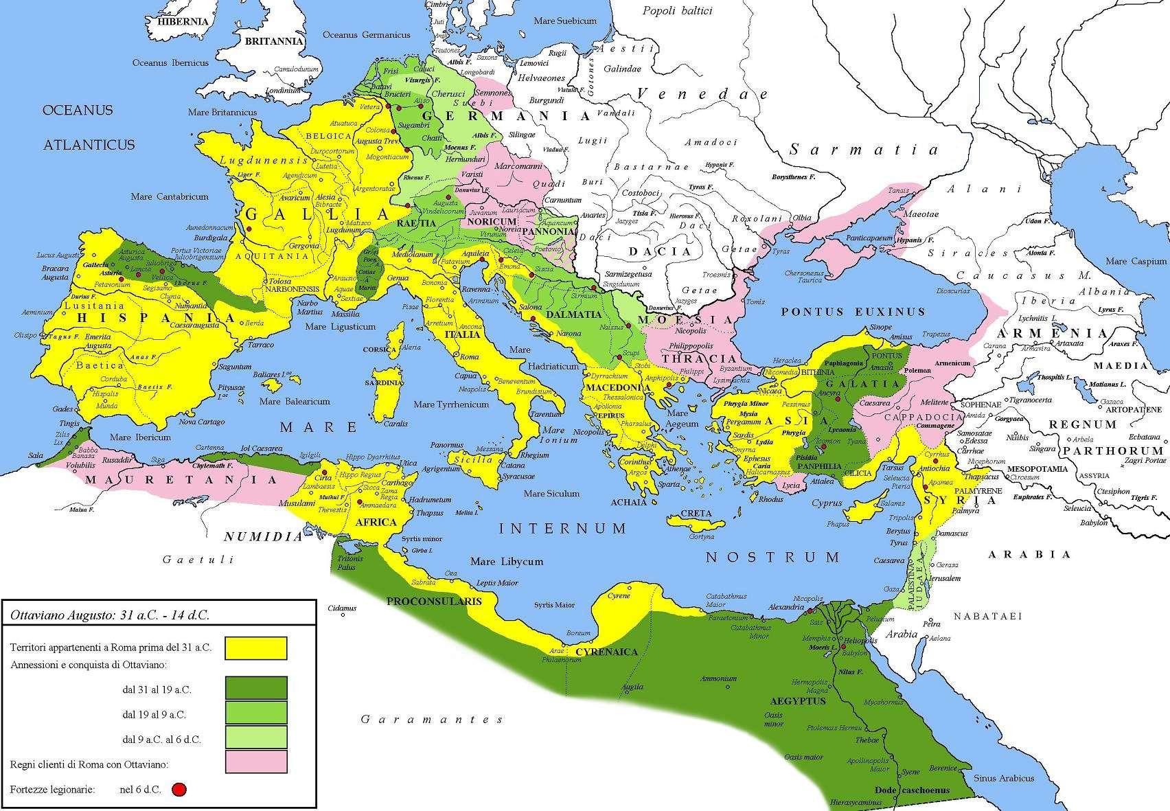 Έκταση της Ρωμαϊκής Αυτοκρατορίας υπό τον Αύγουστο. Με κίτρινο χρώμα σημειώνεται η έκταση του κράτους το 31 π.Χ., με πράσινο χρώμα οι περιοχές που κατακτήθηκαν όσο ήταν στην εξουσία ο Αύγουστος και με ροζ τα υποτελή κράτη.