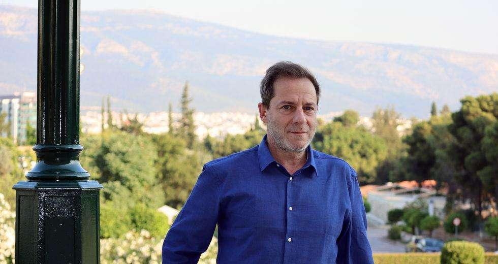 Δ. Λιγνάδης: «Το σύνδρομο της χούντας μάς έκανε να μισήσουμε τη λέξη Ελλάδα»