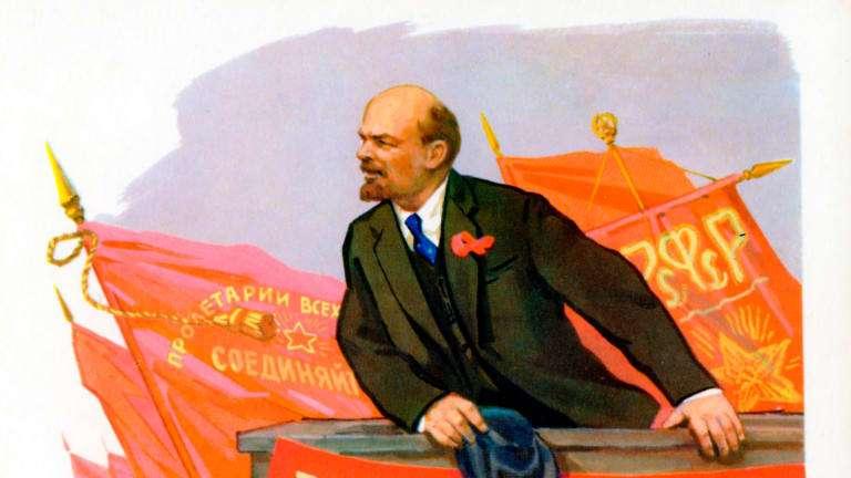 Ο Λένιν συνεχίζει το λόγο του: «Μπαίνει το ερώτημα, μα πώς μπορεί άραγε το Κομμουνιστικό κόμμα να αναγνωρίσει την ελευθερία του εμπορίου, να περάσει σ' αυτή; Δεν υπάρχουν μήπως εδώ ασυμβίβαστες αντιφάσεις;»