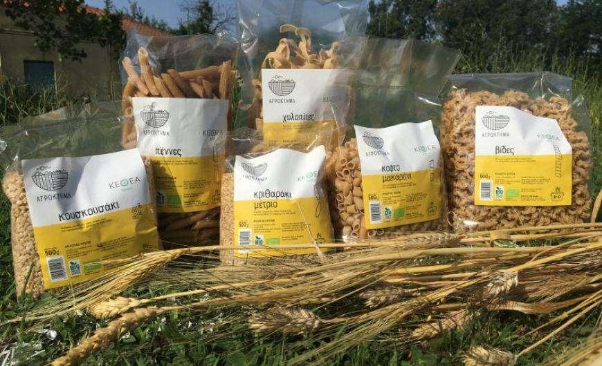 Το Αγρόκτημα της ΙΘΑΚΗΣ έκανε ένα ακόμη σημαντικό βήμα στην παραγωγική του προσπάθεια. Τα ζυμαρικά της ΙΘΑΚΗΣ υπάρχουν πλέον στα ράφια της αλυσίδας ΣΚΛΑΒΕΝΙΤΗΣ, σε 20 υπερκαταστήματα της Βόρειας Ελλάδας.