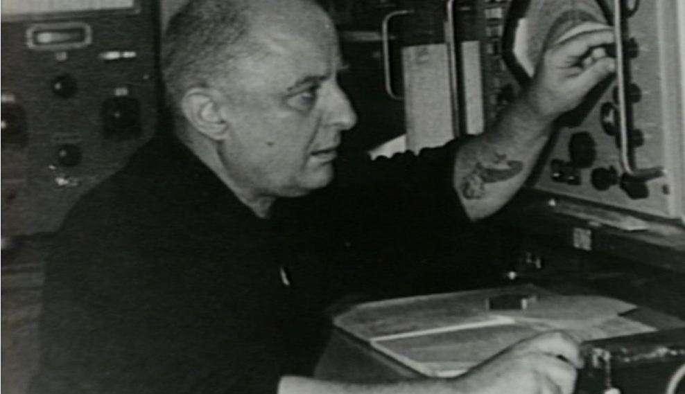 Ο ποιητής, πεζογράφος, μεταφραστής και ναυτικός Νίκος Καββαδίας (11 Ιανουαρίου 1910 - 10 Φεβρουαρίου 1975).