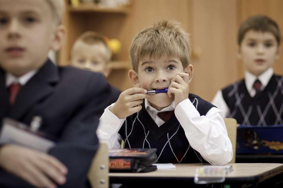 Η τεχνική «φατσούλες-καρδούλες» στοχεύει  στην ομαδική συμμετοχή των μαθητών με ταυτόχρονη κοινωνικοποίησή τους και αποβολή τους άγχους τους.