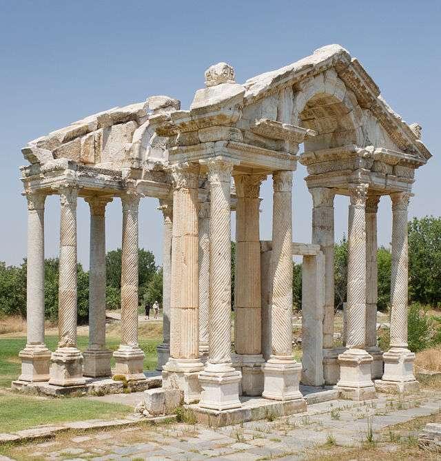 Η αρχαία Αφροδισιάδα ήταν μικρή αρχαία Ελληνική πόλη στην Καρία της Μικράς Ασίας κτισμένη στην περιοχή του Αφροδισίου ακρωτηρίου και υπαγόταν στην Κνίδο.