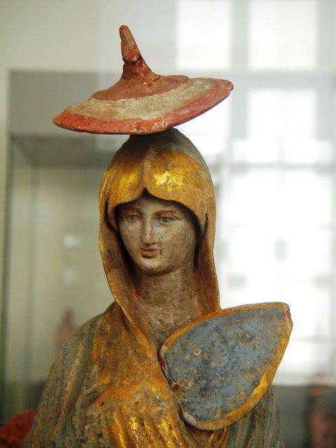 Αγαλματίδιο Ταναγραίας Κόρης. Altes Museum Βερολίνο, περ. 325 π.Χ.