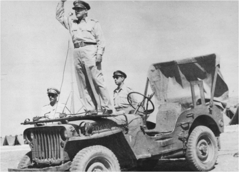 Ο Θρασύβουλος Τσακαλώτος στη Μέση Ανατολή (1943)