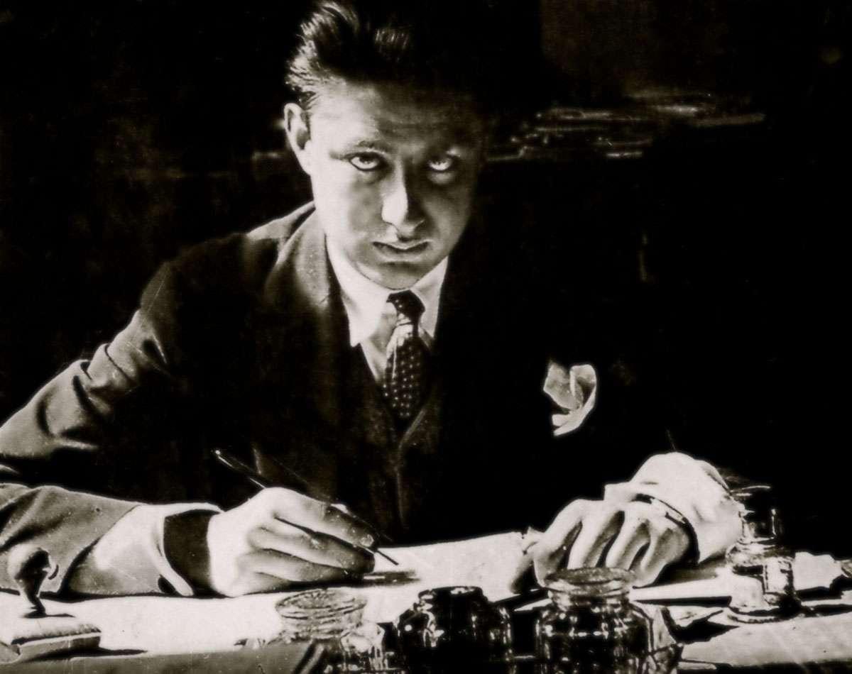 Ο Μ. Καραγάτσης (23 Ιουνίου 1908 − 14 Σεπτεμβρίου 1960) ήταν Έλληνας πεζογράφος, ένας από τους σημαντικότερους συγγραφείς της «Γενιάς του '30». Το πραγματικό του όνομα ήταν Δημήτριος Ροδόπουλος
