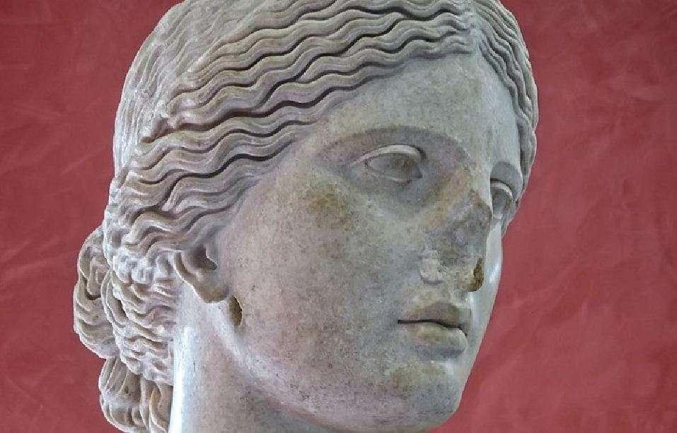 Κεφαλή της Αφροδίτης 1ος π.Χ. - 2ος μ.Χ. Musèe de l'Arles Antique in Arles, France.