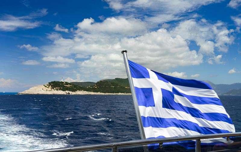 Πριν από 50 χρόνια η Τουρκία ήταν ο απολίτιστος μεμέτης, που έτρεμε να φτιάξει βάση του στρατού και του στόλου στα παράλια. Δεν τολμούσε να σηκώσει ούτε ελικόπτερο πάνω από το Αιγαίο. Η αμερικανική βοήθεια μοιραζόταν σε αναλογία 7 η Ελλάδα προς 10 η Τουρκία.