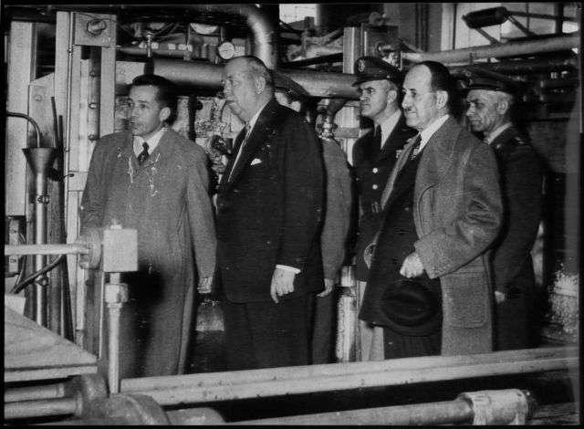 Δεν θα αναφερθώ στο απώτερο παρελθόν, όταν όλα τα βλήματα και πολεμικά υλικά του Ελληνοϊταλικού πολέμου 1940-41 ήταν κατασκευασμένα στο Πυριτιδοποιείο ΜΠΟΔΟΣΑΚΗ, που απασχολούσε πλήθος τεχνικών και εργατών.
