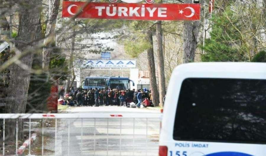 Όποιος πιστεύει ότι εκείνο που γίνεται στα ελληνικά σύνορα έχει σχέση με το μεταναστευτικό-προσφυγικό βλέπει το δέντρο και χάνει το δάσος.