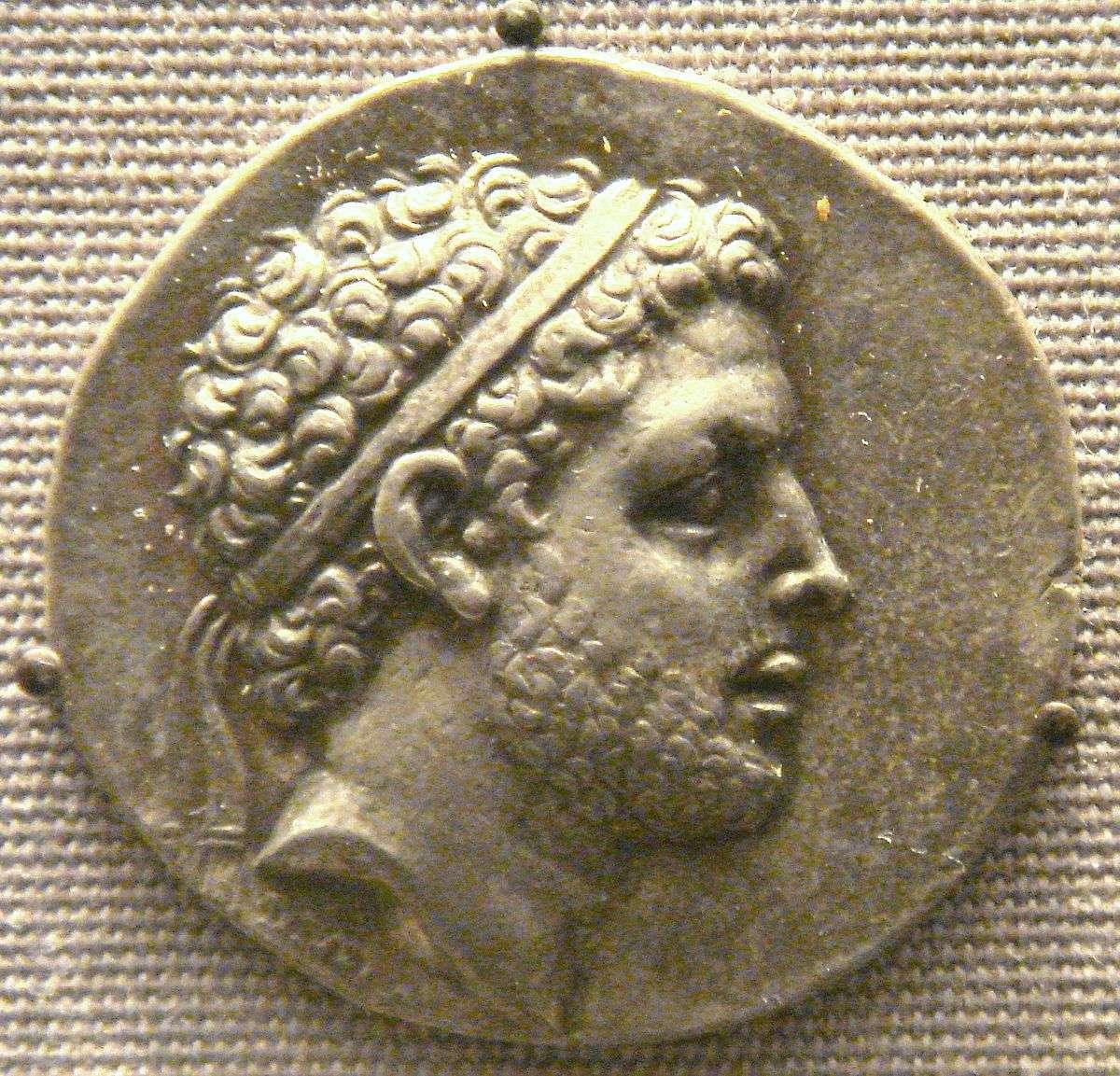 Ο Περσέας (212 – 162 π.Χ.) ήταν ο τελευταίος βασιλιάς της Μακεδονίας, μέλος της Δυναστείας των Αντιγονιδών. Πατέρας του ήταν ο Φίλιππος Ε' και μητέρα του η Πολυκράτεια από το Άργος.