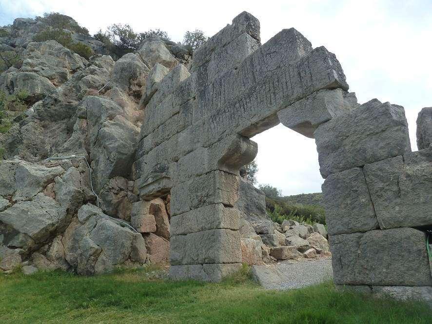 Αλυκή Βοιωτίας. Άγνωστοι αρχαιολογικοί χώροι. Ancient Sifa or Tifa (Alyki) at Boeotia, Greece. Unknown archaeological sites in southern Greece.