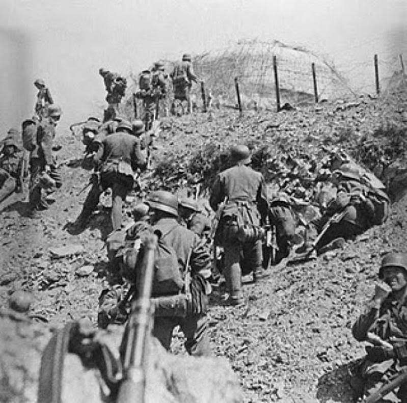 H γερμανική επίθεση εκδηλώθηκε στις 05.15 της 6ης Απριλίου.