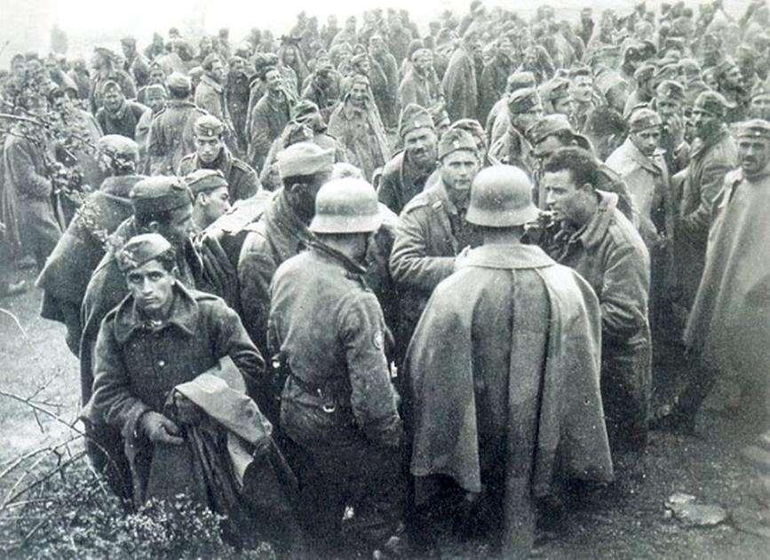 Την επομένη 10 Απριλίου 1941 έλαβε χώρα η παράδοση του οχυρού. Τα γερμανικά τμήματα «μας εσεβάσθησαν και μας ετίμησαν», σύμφωνα με την έκθεση Πλευράκη.