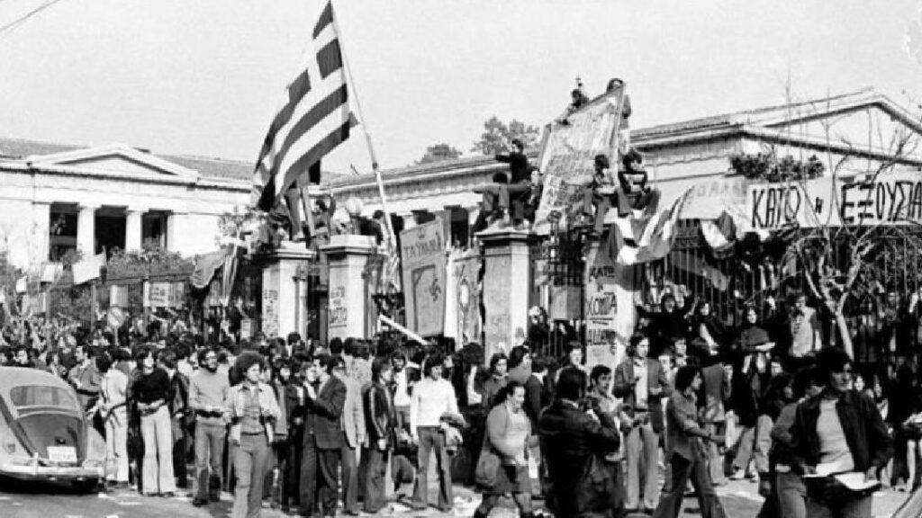 Το ΚΚΕ και το Πολυτεχνείο – Η εξέγερση ως «προβοκάτσια»