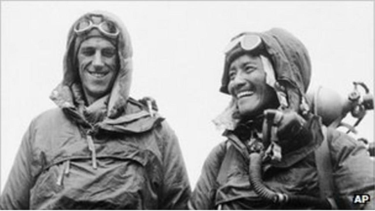 Ο Χίλαρυ (αριστερά) το 1953